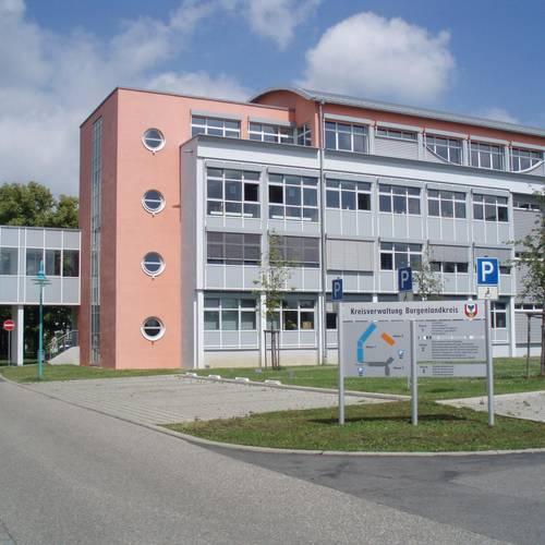 Menu: Landratsamt © Burgenlandkreis